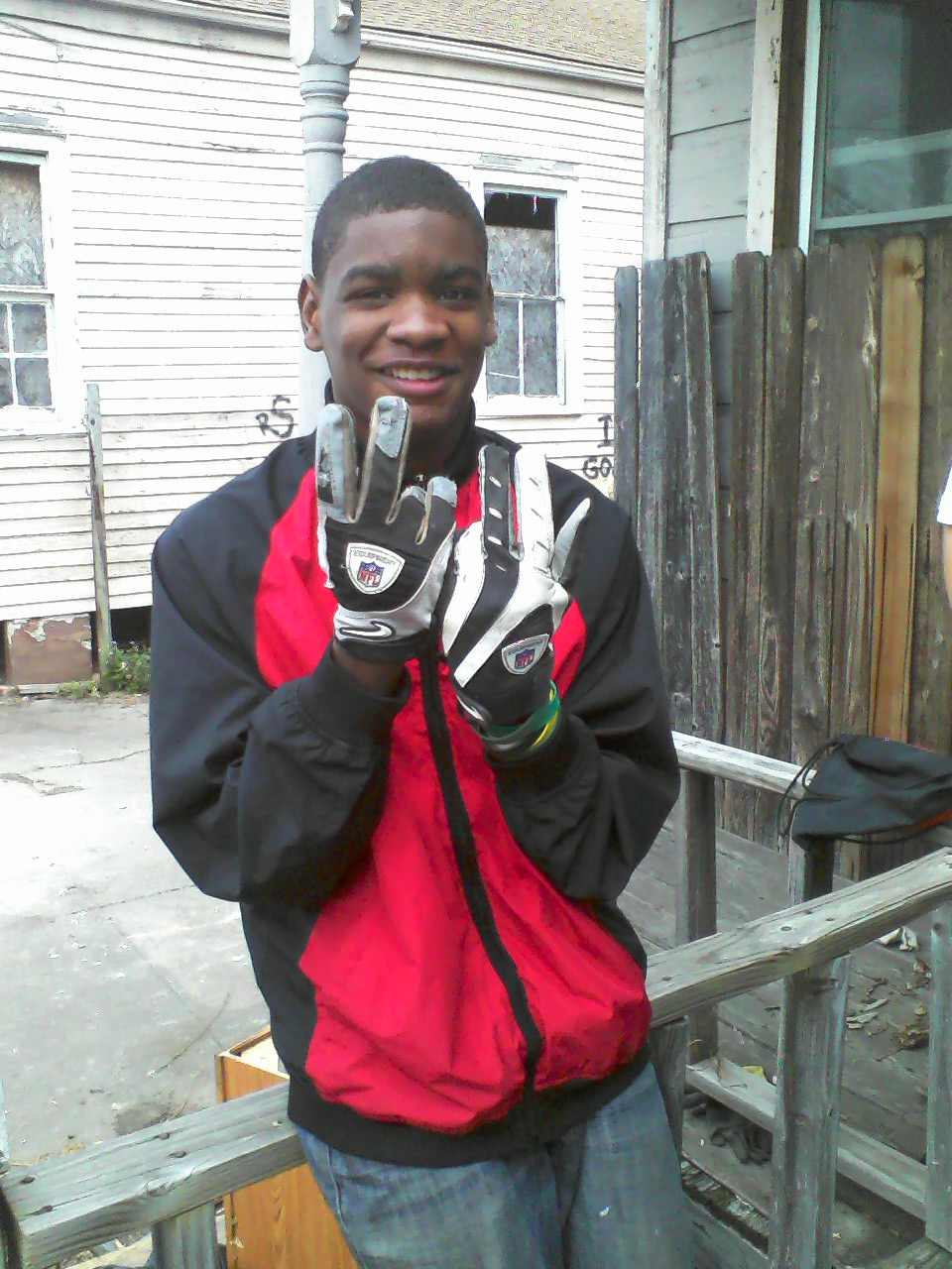 Taylor's in utopia showing off his Saints gloves.