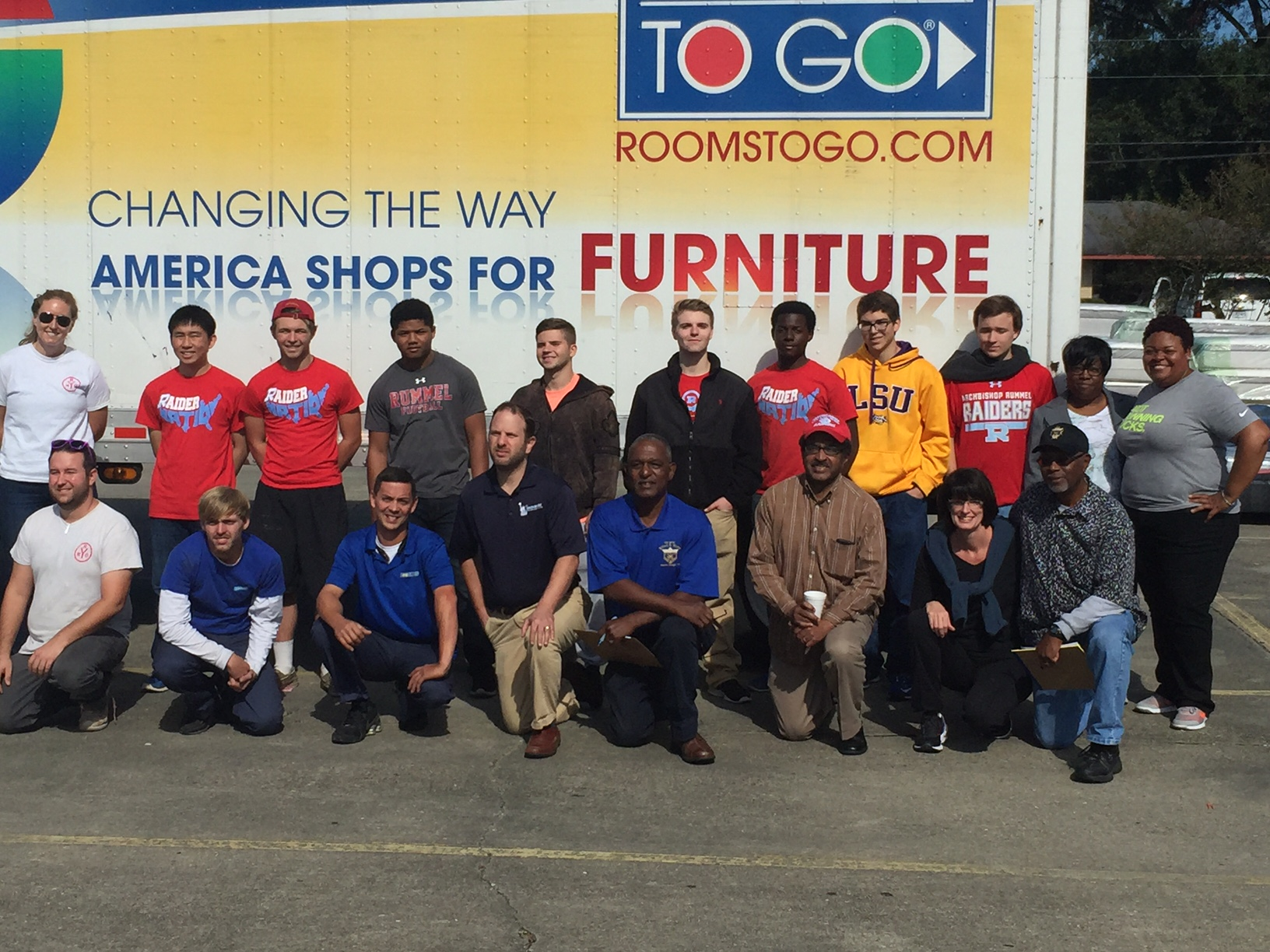 Yrno And Rooms To Go Deliver Relief For Baton Rouge Flood Victims